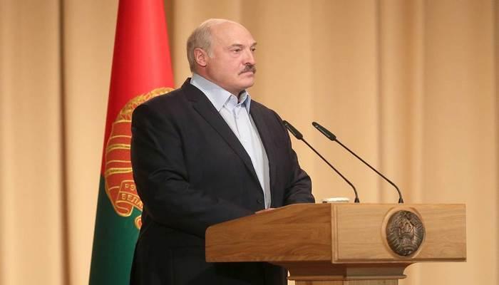 Koronavirusa inanmayan Lukaşenko bu xəstəliyə yoluxduğunu bildirdi