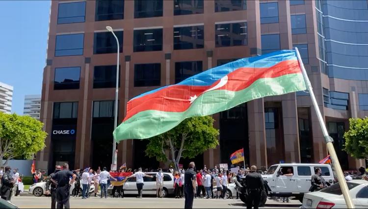 Los Anceles meri Azərbaycan icmasına qarşıhücumları pisləyib